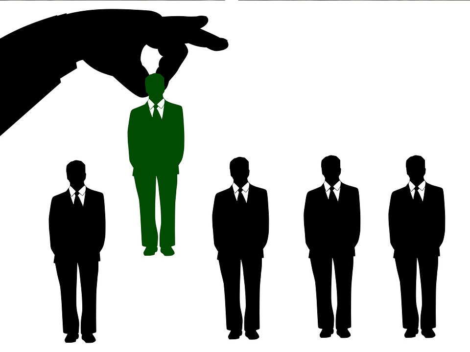 Bardzo-wysoka-płaca-minimalna-pogrąży-rynek-pracy